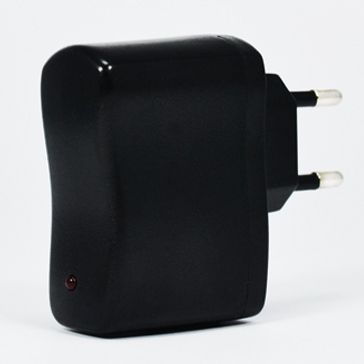 CHARGER - EU Wall Adapter 220V-to-USB ( Suitable for all e-cigarettes )